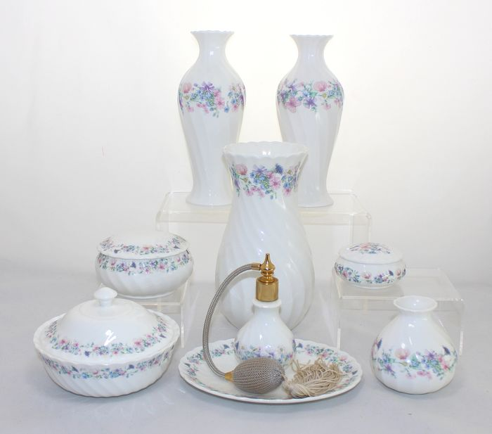 Wedgwood - Angela pattern, Wedgwood - Angela pattern - Dressing table and decorative items (9)