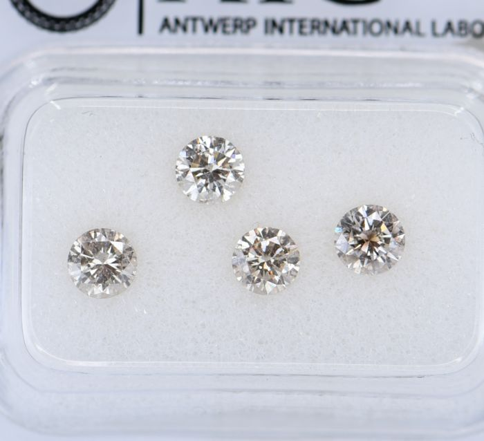 4 pcs Diamant - 0.96 ct - Rond - light brown - SI1, SI2, No Reserve Price!