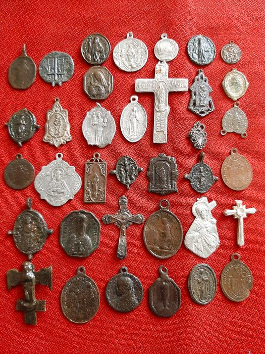Group of religious medals-recorded and different- (34) - Copper, bronze and silver