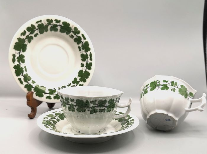 Meissen - Cups and saucers (2) - Porcelain