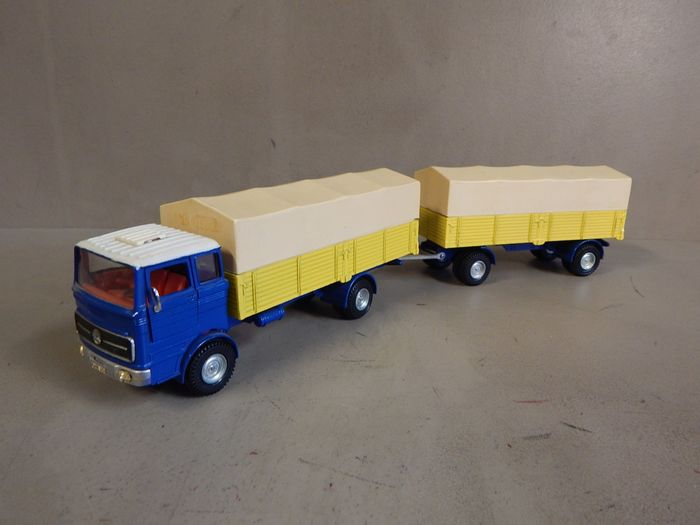Dinky Toys - No.917  - 1:43 - Mercedes-Benz LP 1920 Truck & Trailer
