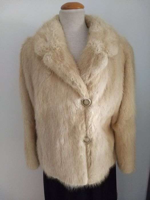 Peletería  - Bisam or Musrat skin - Fur coat - Made in: United Kingdom
