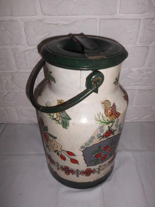Beautiful old Dutch painted milk can - Metal
