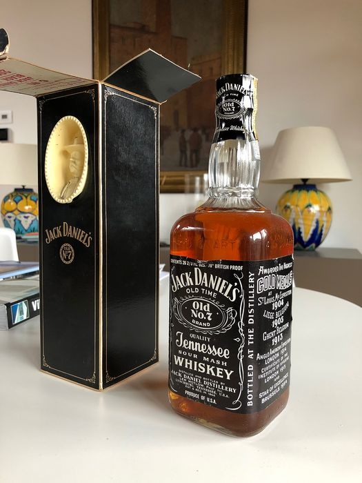 Jack Daniel's Old No 7 - b. 1960s - 26 2/3 Fl Oz