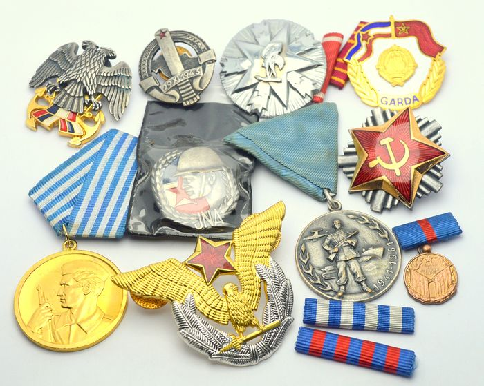 Yugoslavia - Military Lot - Collection of badges and medals