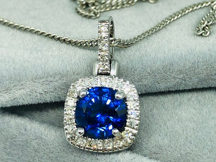 14 kt. White gold - Necklace with pendant - 1.44 ct Sapphire - Diamond