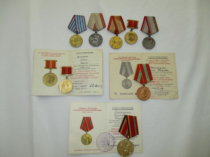 Russia - Lot of medals certificate including World War II medals