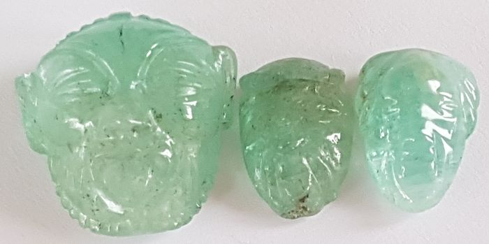 3 pcs Green Emerald - 57.88 ct