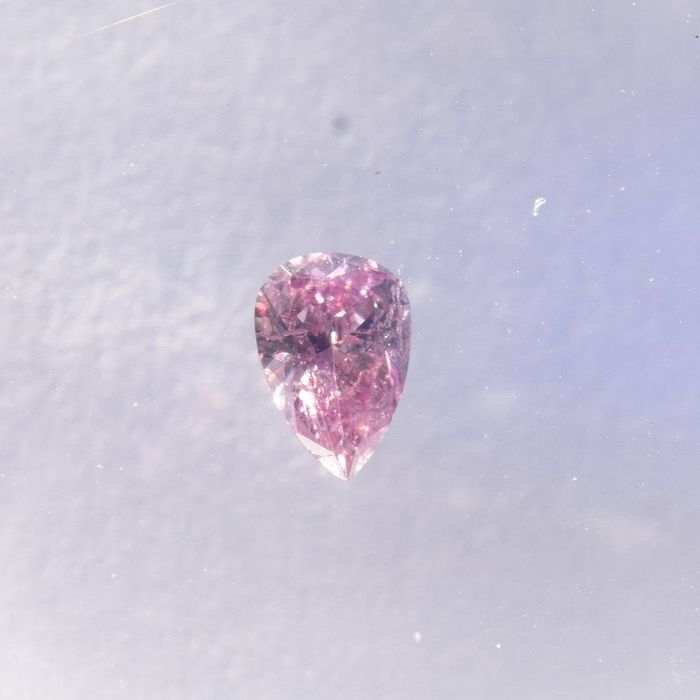 Diamante - 0.07 ct - Pera - fancy pink - I2