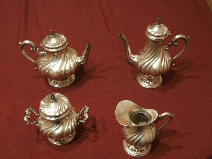 Coffee and tea service (4) - .800 silver - Italy - Second half 20th century