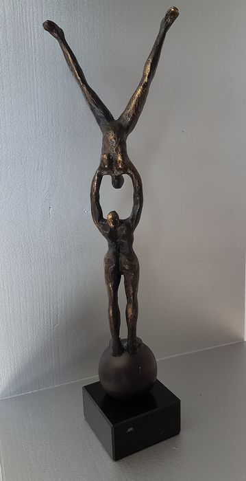 "Ger van Tankeren - Beautiful Image ""the Challenge"" - Bronzed alloy"