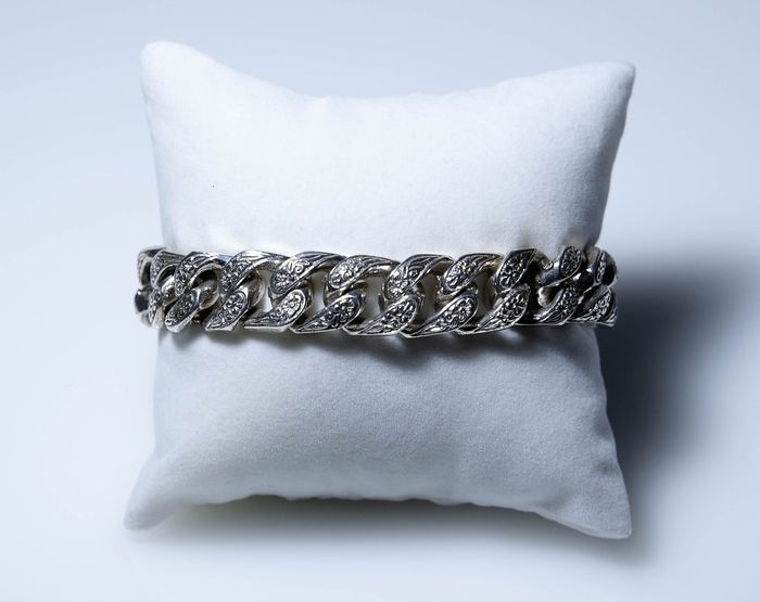Silver - massive bracelet with engraving - No Reserve!