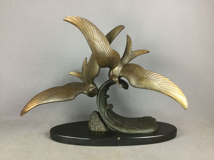 Large seagull sculpture art deco