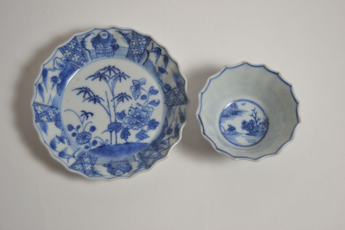 Cup and saucer with landscape, bamboo and peony (2) - Porcelain - China - Kangxi (1662-1722)