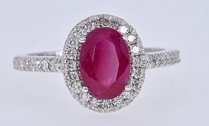 18 kt. White gold - Ring - 2.27 ct AIGS Unheated Ruby - Diamonds