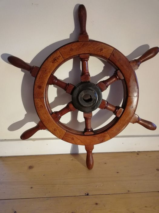 Ship's wheel, Vintage - Teak, cast steel  - Early 20th century
