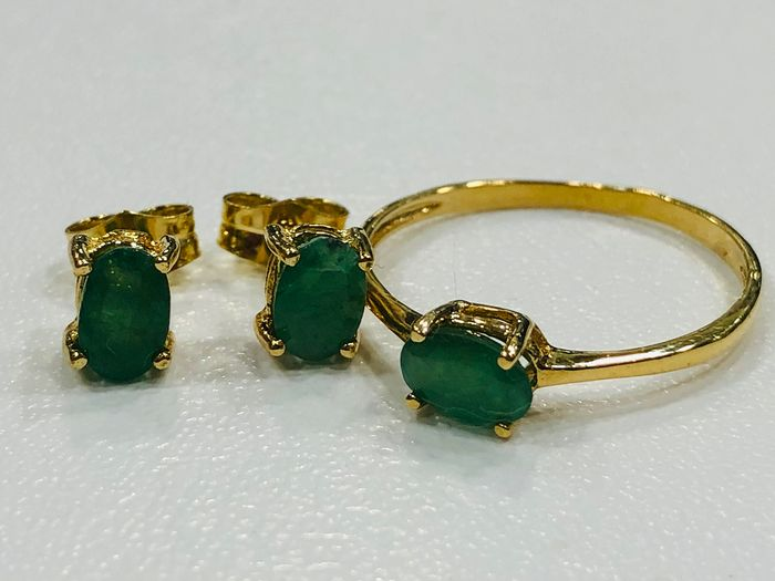 18 kt. Gold, Yellow gold - Earrings, Ring, Set Emerald