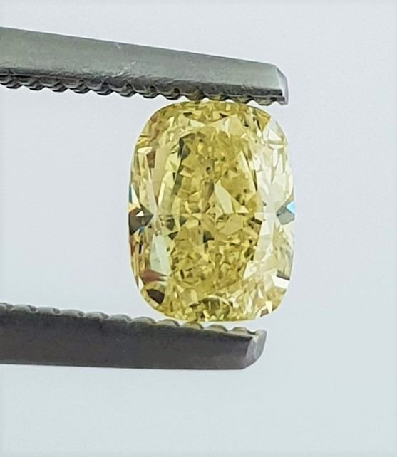 Diamond - 0.68 ct - Cushion - Natural Fancy Intense Yellow - VVS2