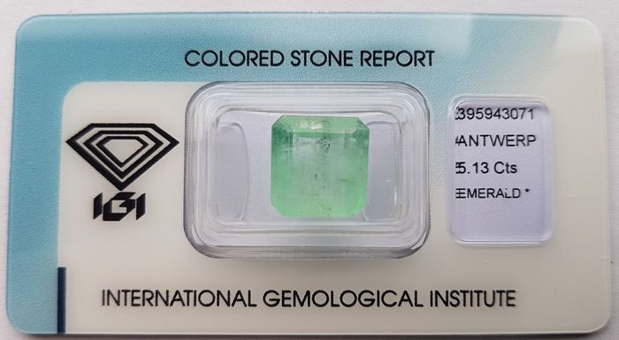 No Reserve Price- Colombian Green  Emerald - 5.13 ct