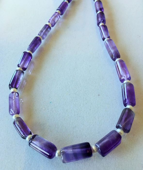 Purple Amethyst with pearls - 130.71 ct