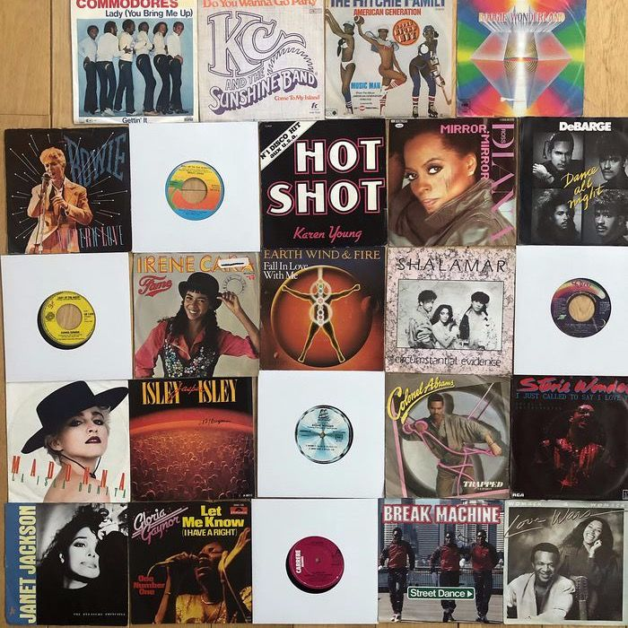 Excellent lot of smashing disco dance-hits from late 70's and early 80's: EW&F, Commodores, Donna - Flera artister - Flera titlar - 45 rpm singel - 1978/1984