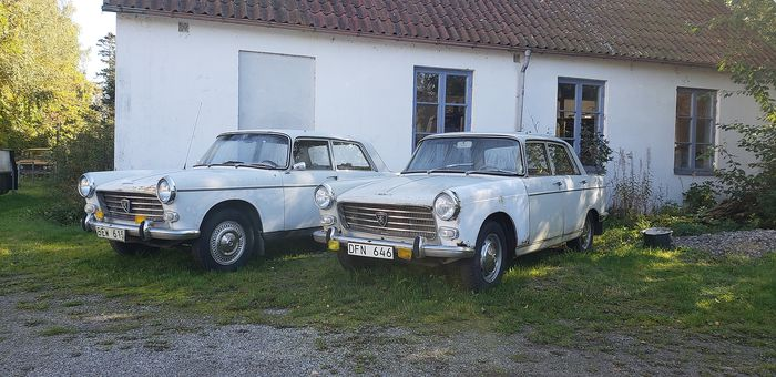 Peugeot - Lot of two 404 - 1964