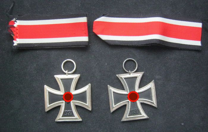Germany - 2 pieces Iron Cross 2nd class 1939 - Award