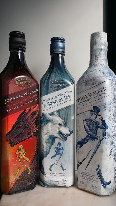 Johnnie Walker Game of Thrones (1 x A Song of Fire + 1 x A Song of Ice + 1 x White Walker) - Original bottling - 700ml - 3 bottles