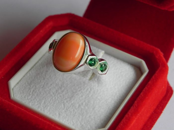 14 kt. White gold - Ring pink coral - Emeralds