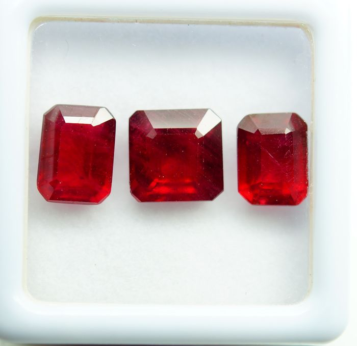 3 pcs  Ruby - 7.60 ct