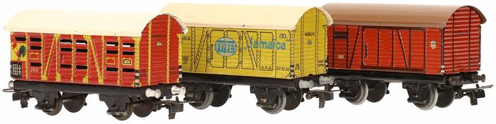Märklin H0 - 381/382/386 - Freight carriage - 3 Closed freight wagons