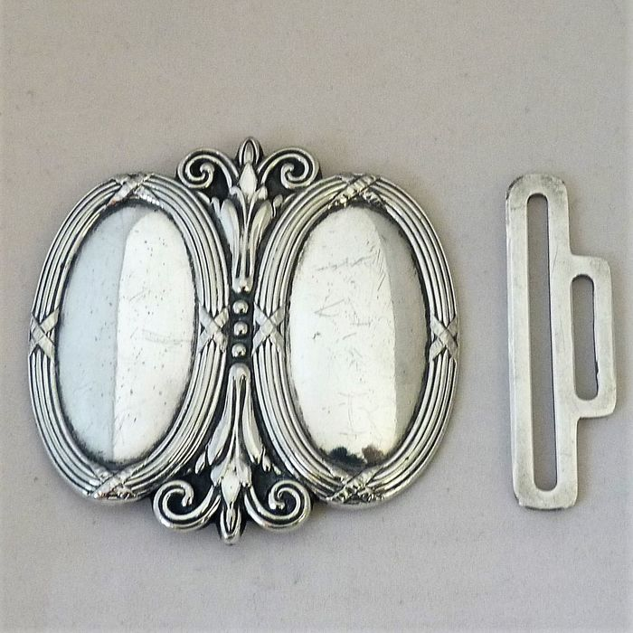 NEW greeting card of an Art Nouveau buckle