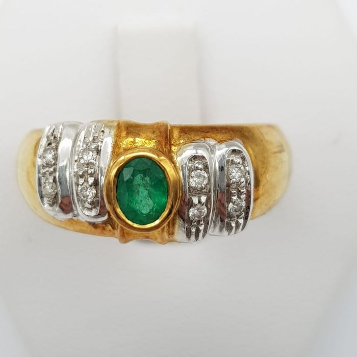18 kt. Gold - Ring - 0.50 ct Emerald - Diamonds