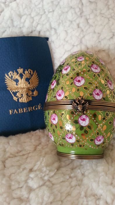 Fabergé - Limoges Imperial Rose Trellis Egg, CAO - Limited edition and signed and numbered