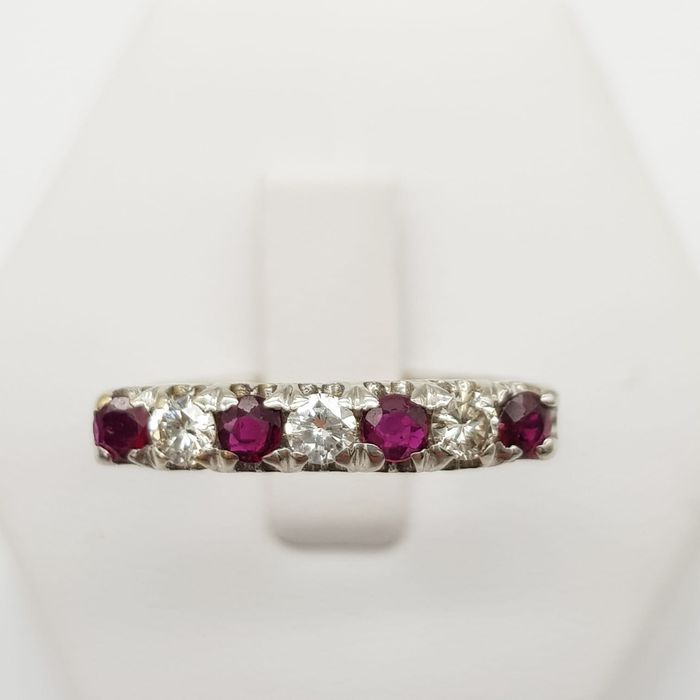 18 kt. White gold - Ring - 0.20 ct Ruby - Diamonds