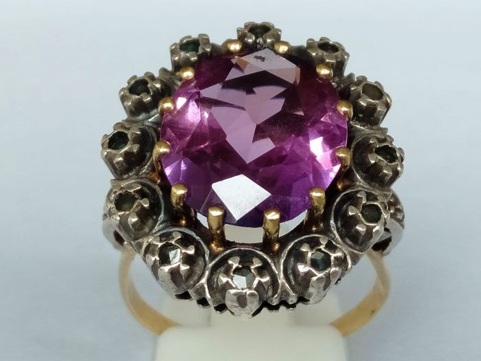 18 kt Gold, Silber - Ring Amethyst - Diamanten
