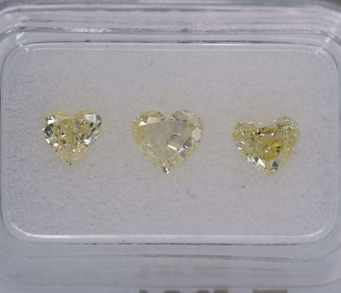 3 pcs Diamant - 1.05 ct - Herz - fancy intens yellow - SI1, SI3, No Reserve Price!