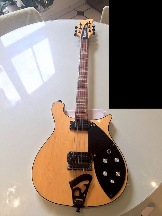 Rickenbacker - 620 Mapleglo - Electric guitar - USA - 1992