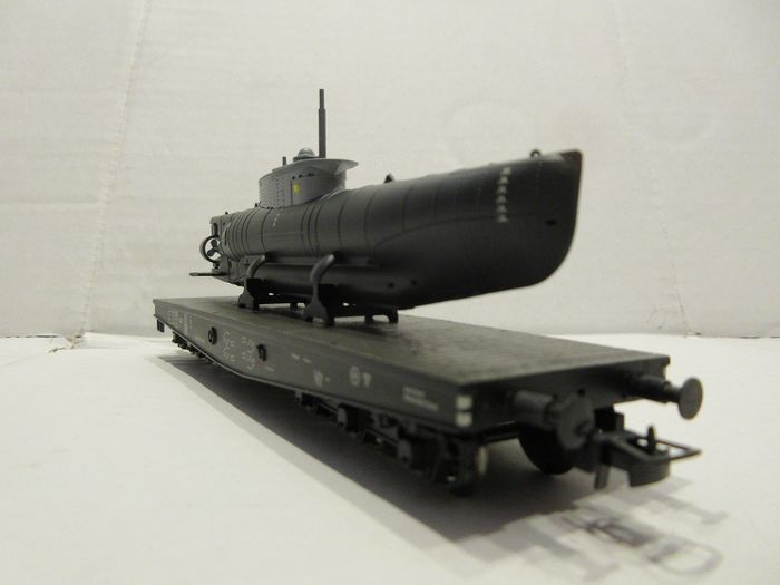 "Liliput H0 - L240066 - Freight wagon set - Submarine transport ""SEA DOG"" U 052 with torpedo charge, epoch II - DRG"