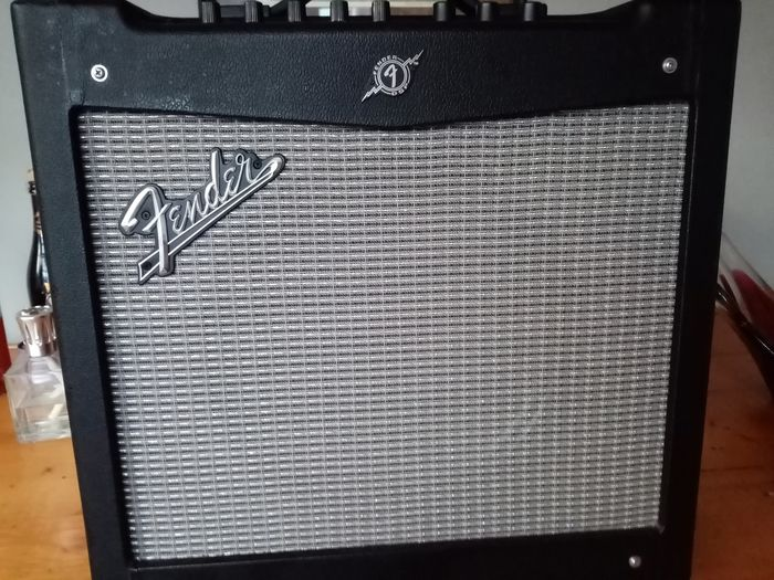 Fender - Mustang 11 - guitar amplifier - China - 2016