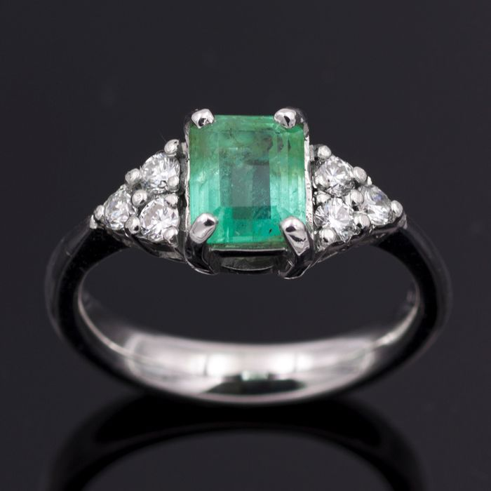 18 kt. White gold - Ring - 1.20 ct Emerald - Diamonds