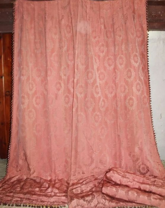 A set of four heavy brocade curtains with lining, two pairs - Silk - c 1900