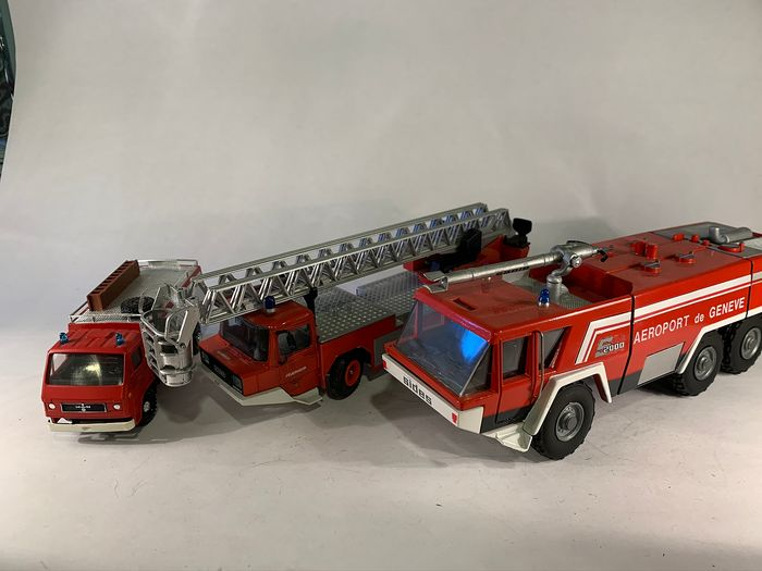 Conrad / Others - 1:43 - 3 Firetruck models - Made in West Germany and France