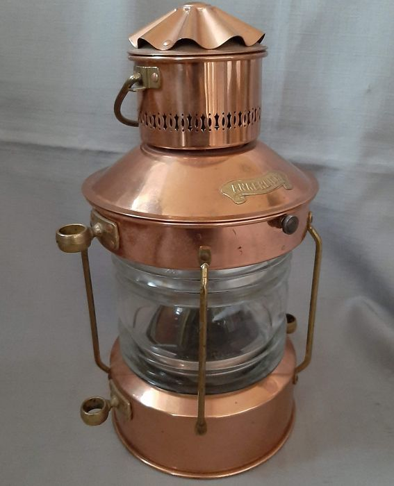 Ship lamp / anchor light with oil lamp - Copper, Glass - First half 20th century