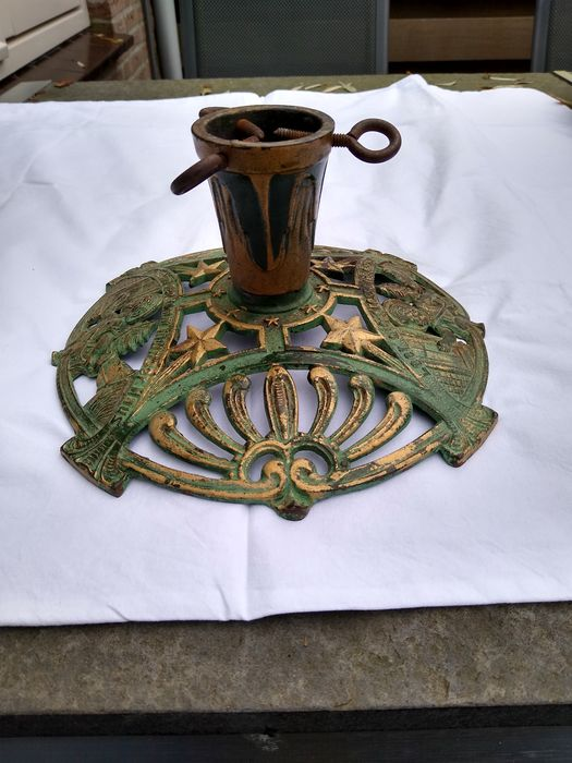 N.v.t. - N.v.t. - Christmas tree stand (1) - Art Nouveau - Iron (cast/wrought)
