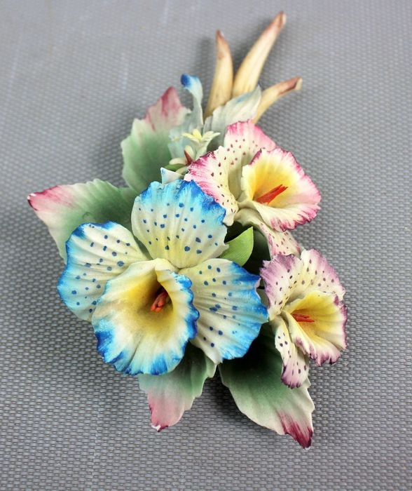 Capodimonte - Colorful Flower bouquet (hand made) - Porcelain