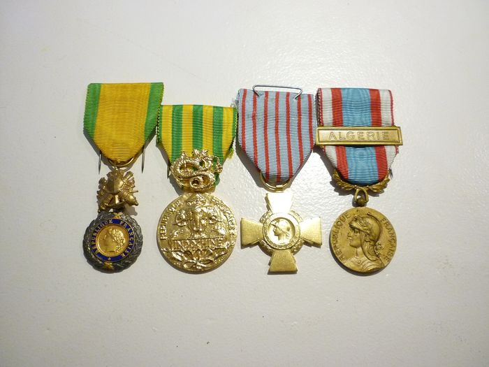 France - Lot of French Indochina and Algeria Elite (M10N) war medals - Medal - 1970
