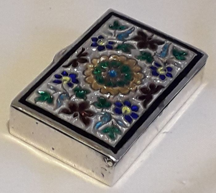 Vintage Silver and Enamel Pill Box or Keepsake - Silver and Enamel (cloisonne) - Second half 20th century