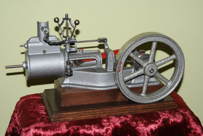 Educational Steam engine cut-away model - Iron (cast/wrought) - Second half 20th century