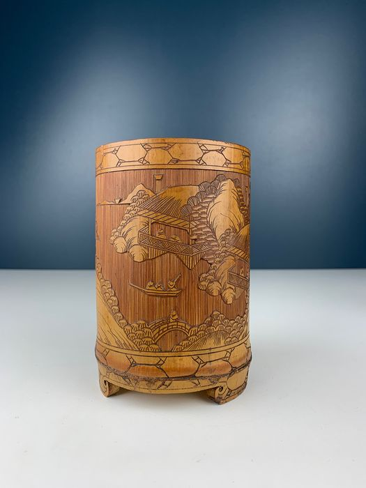 Chinese Bamboo Brush Pot with figures in a landscape - Bamboo - China - Republic period (1912-1949)
